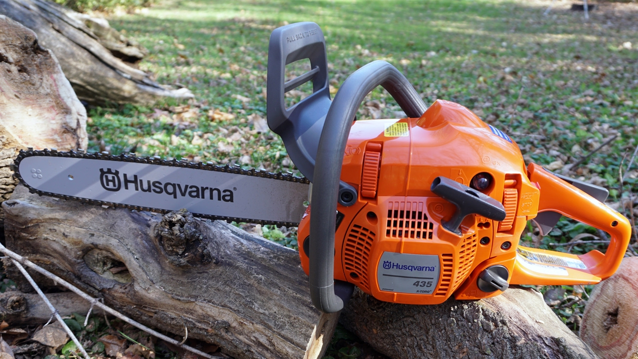 435 Husqvarna Chainsaw Unboxing and Review - YouTube