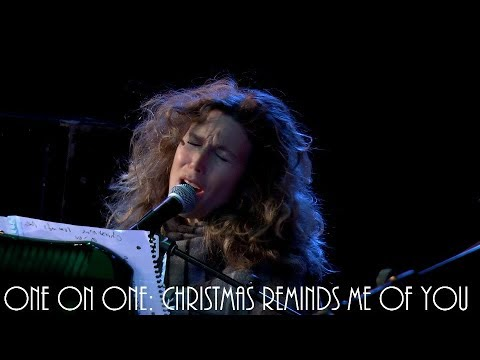 Cellar Sessions: Sophie B. Hawkins  Christmas Reminds Me of You 112117 City Winery New York