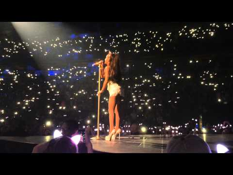 Ariana Grande - Tattooed Heart Live Seattle Key Arena
