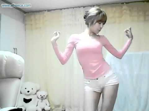 ( นอกเรื่องบอลชุดสักหน่อยนะ -.,- ) สาวเกาหลีเต้นน่ารัก