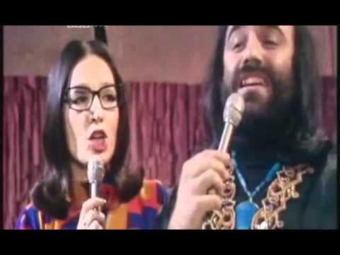 Nana Mouskouri  &  Demis Roussos  - To Gelakaki  -1974 -.avi