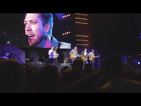 Steven Lee Olsen Performs Blue Aint Your Color with Lady Antebellum