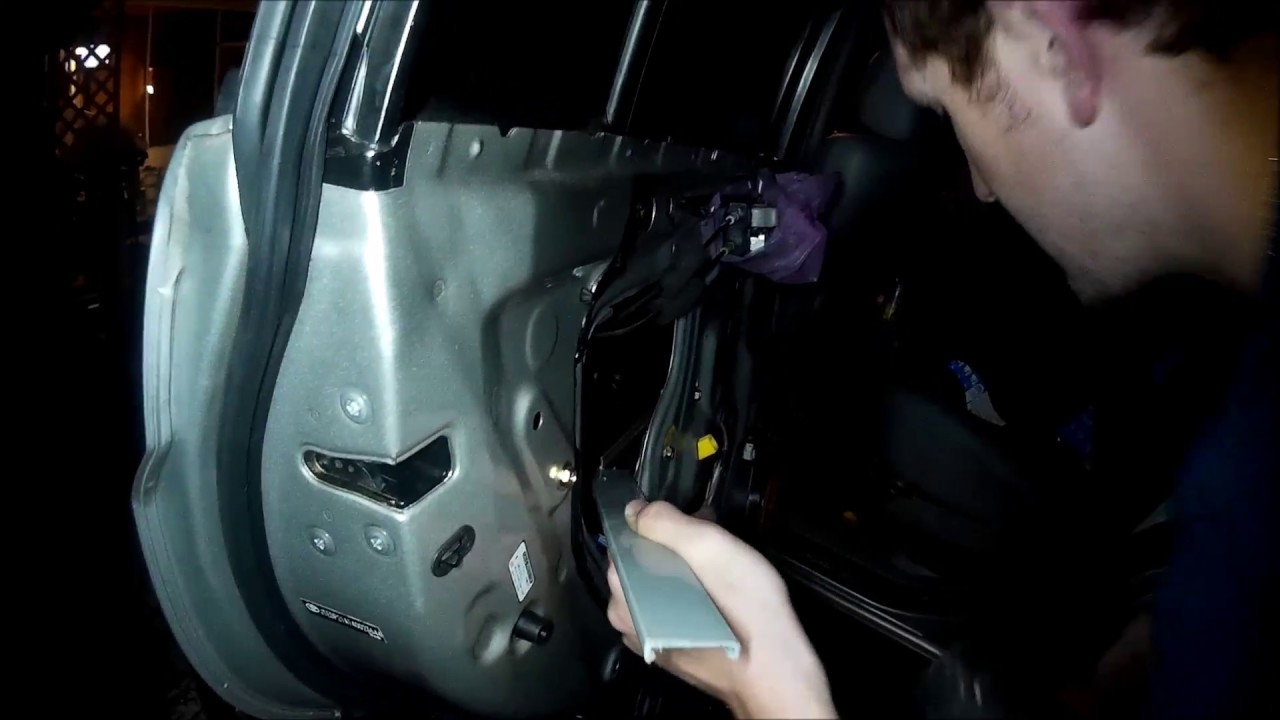 toyota highlander 2004 interior door panel removal, window fell