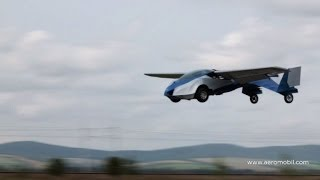 La presentación del auto volador