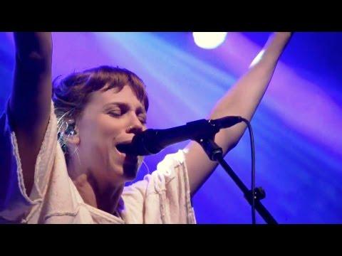 Love Is Unafraid (Spontaneous Worship) - Steffany Gretzinger and Amanda Cook   Bethel Music