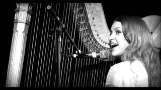 Watch Joanna Newsom En Gallop video