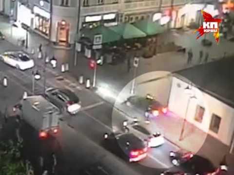 В центре Москвы водитель BMW без номеров пытался скрыться от сотрудников ДПС