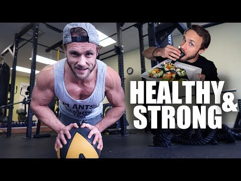 What I Eat To Stay Strong AF As A Vegan | VLOG