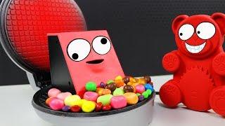 Facebank VS Waffeleisen - Lucky Bär sein Lieblings Experiment