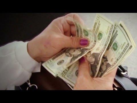 Venezuelans make money by traveling