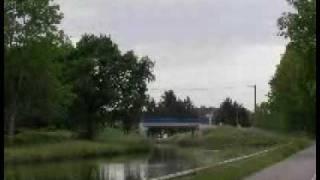 Vue sur le canal du centre à palinges