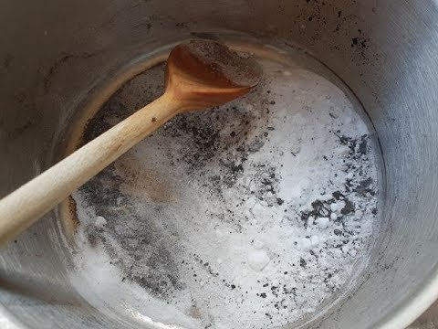 Kitchen hacks - how to clean a burnt milk pan