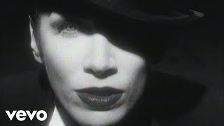 Watch Annie Lennox Legend In My Living Room video