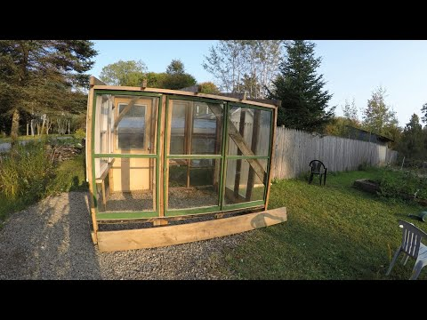 Building Greenhouses With Recycle Glass Windows!!