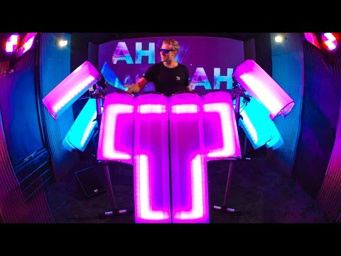 DRUMMER CREATES VISUAL WAY TO DJ - AFISHAL