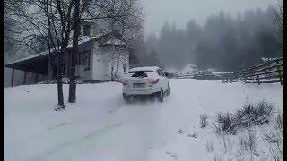 Hyundai ix35 on snow with NOKIAN WR suv 3