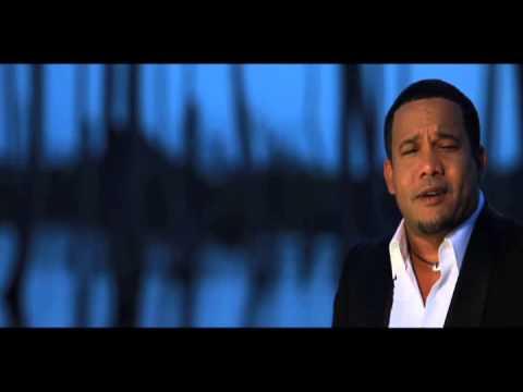 Hector Acosta - Me Duele La Cabeza (Official Video)