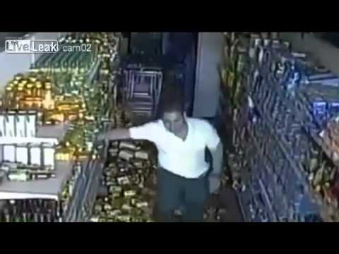 Incredible CCTV Footage Of Pakistan Earthquake 24 09 13