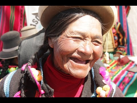 A Closer Walk: A Woman's World (Peru)