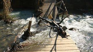 El puente roto - Las hermanitas Calle