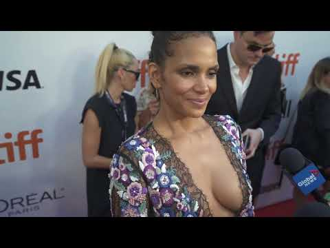 Download Youtube: Halle Berry at the TIFF Red Carpet Premiere of