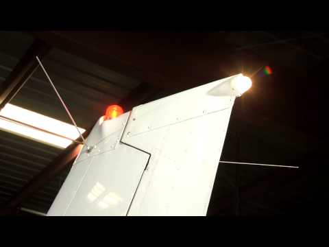 C 172:White Navigation Light and Anti Collision LightDraft