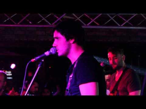 Gece The Roxx Pub'ta  - Bomonti sokakları (canlı performans)