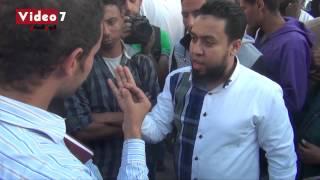 بالفيديو   مناظرة بين صوفى وشيعى أمام مسجد «الحسين»