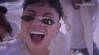 Gambar cover Siti Badriah   Pipi Mimi Official Music Video NAGASWARA #music720p