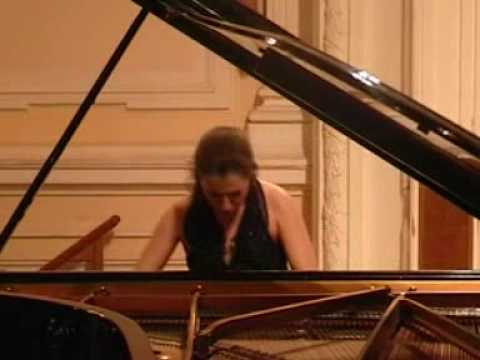Irina Bogdanova plays Rachmaninoff
