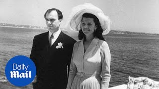 Rita Hayworth married Aly Kahn on the Riviera in 1949 - Daily Mail