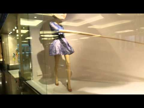 Long Hand Lady Mall of the Emirates Dubai 05.04.15