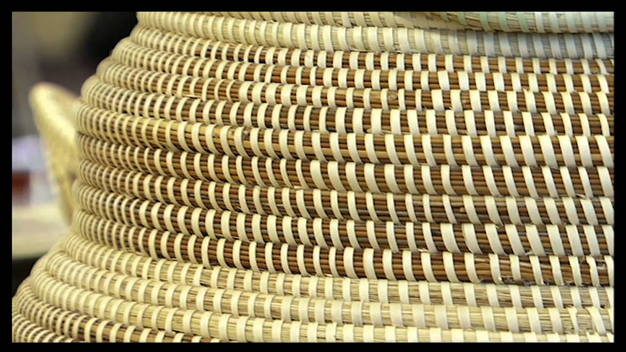 How To Weave A Sweetgrass Basket : Sweetgrass basket weaving