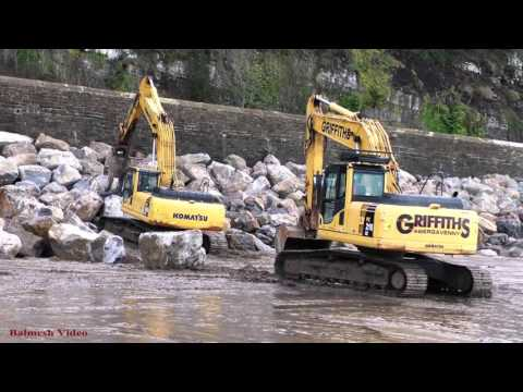 Ferryside Sea Defence Work - Rock Placement by Komatsu.