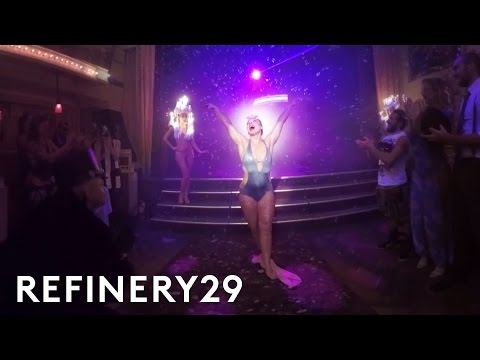 Virtual Reality Tour Of NYC Cabaret Club Performances | VR29 Studios | Refinery29