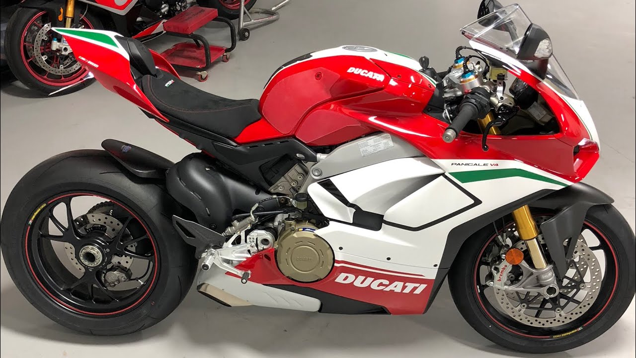 delivery day ducati panigale v4 speciale 47 995 superbike youtube. Black Bedroom Furniture Sets. Home Design Ideas