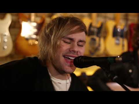 "5 Seconds Of Summer - ""Want You Back"" (MTV Jammin' exclusive performance)"