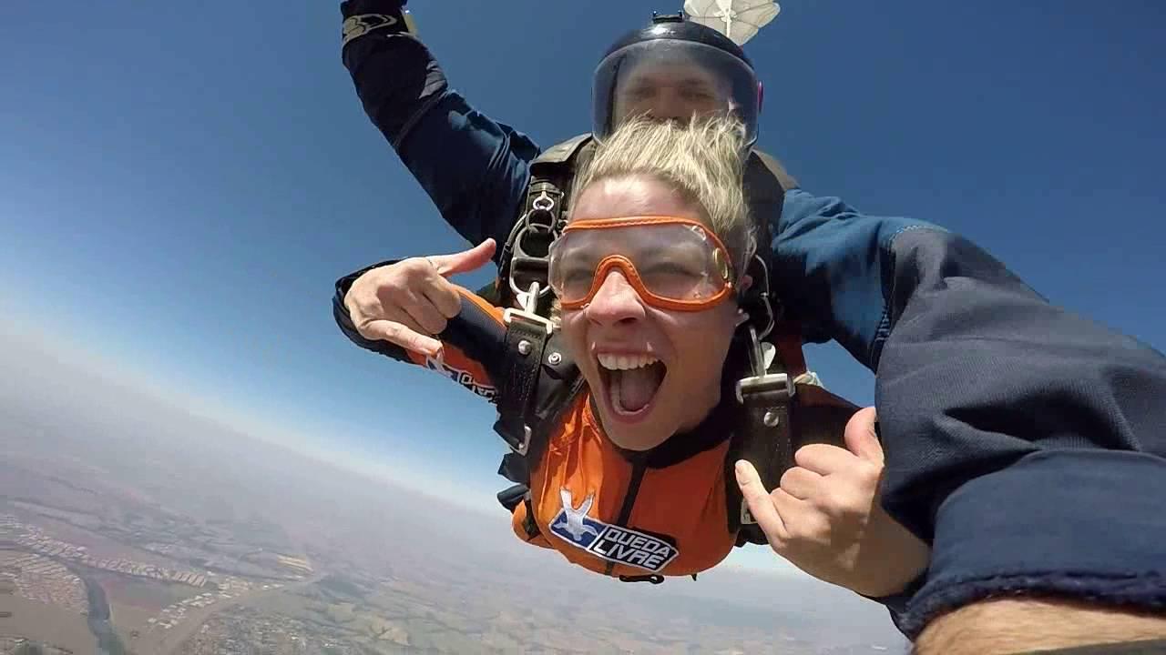 Salto de Paraqueda da Ligia na Queda Livre Paraquedismo 28 07 2016