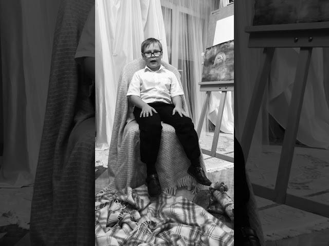 Изображение предпросмотра прочтения – ТимофейВладыкин читает произведение «Страна Негодяев» С.А.Есенина