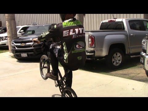 VIKING BMX: Shane Harlow wheelie challenge