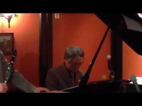Twilight Special Jazz & Bar em's Pro-Ama Quartet (e-PAQ) (I won't cry anymore)