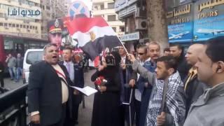 بالفيديو : مواطنون يحتفلون بذكرى ثورة يناير في في ميدان التحرير