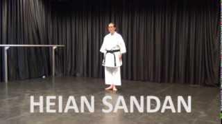 Kata: Heian Sandan - Online Karate tutorial(Shotokan Karate Kata Heian Sandan. De video is bedoeld om de vorm van de kata Heian Sandan te leren en oefenen. Heian Sandan is de derde kata van de ..., 2013-10-27T18:46:29.000Z)