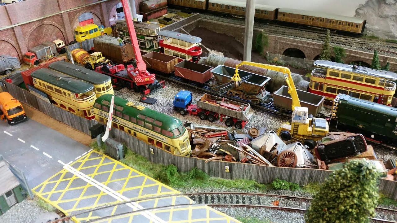 reg the scrapyard crane - photo #36