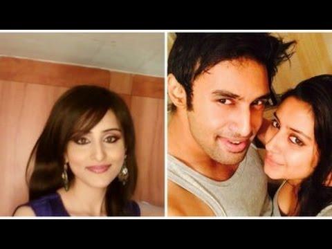 Ex-Indian Idol Contestant Rahul Vaidya Dating Singer Alka Yagnik's Daughter?