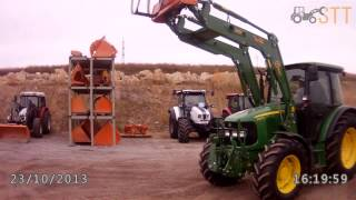 Погрузчик POM VX 90  с лесным захватом HZ 230 для бревен  на тракторе John Deere(, 2015-09-09T06:37:55.000Z)