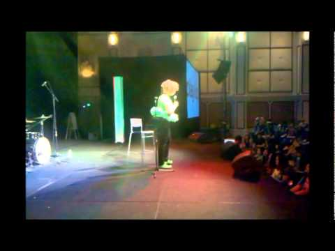 GloZell Playlist Live 2012 ...6000 Fans