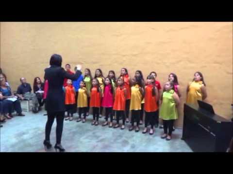"""Piccolo Coro del Colegio San Pedro: """"Las Cosas Bellas de Lara"""""""