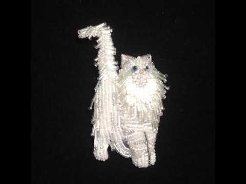 white-beaded-norwegian-forest-cat-pin-by-the-lone-beader