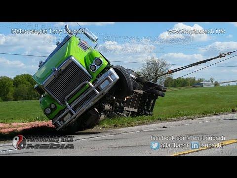 04/29/2015 Union County, IL - Semi Accident